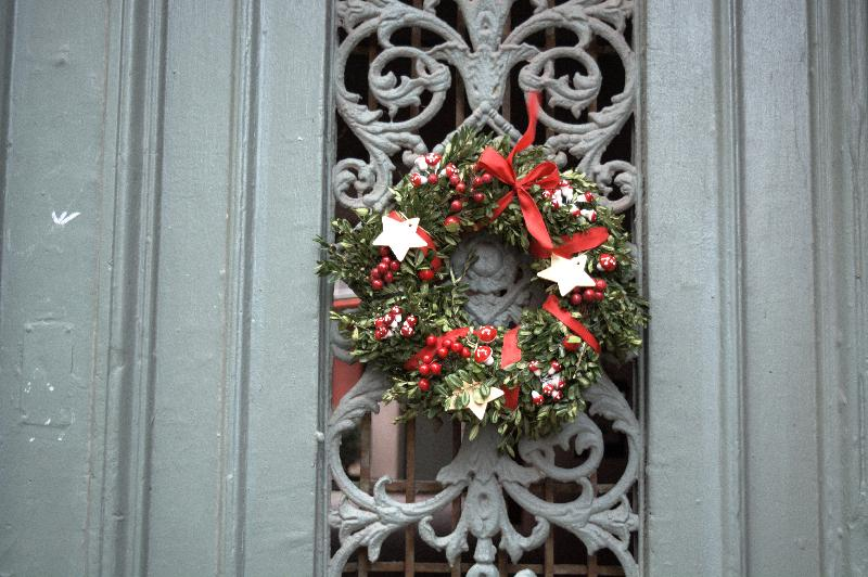 Free photo Christmas decoration on old doors free image
