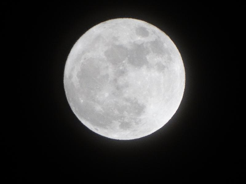 free photos  Full moon on the clear night sky
